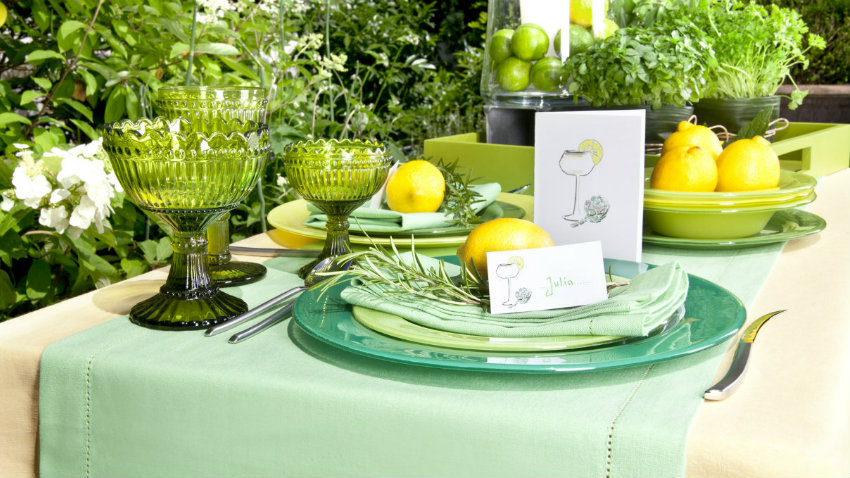 Piatti verdi il colore della natura in tavola dalani e ora westwing - Tovaglie da tavola eleganti moderne ...