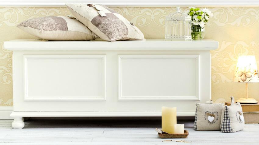 Cassapanca bianca fare ordine con eleganza dalani e ora westwing - Camera da letto moderna bianca laccata ...