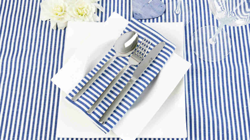 Servizio di piatti quadrati per opere d 39 arte culinarie dalani e ora westwing - Tovaglie plastificate design ...