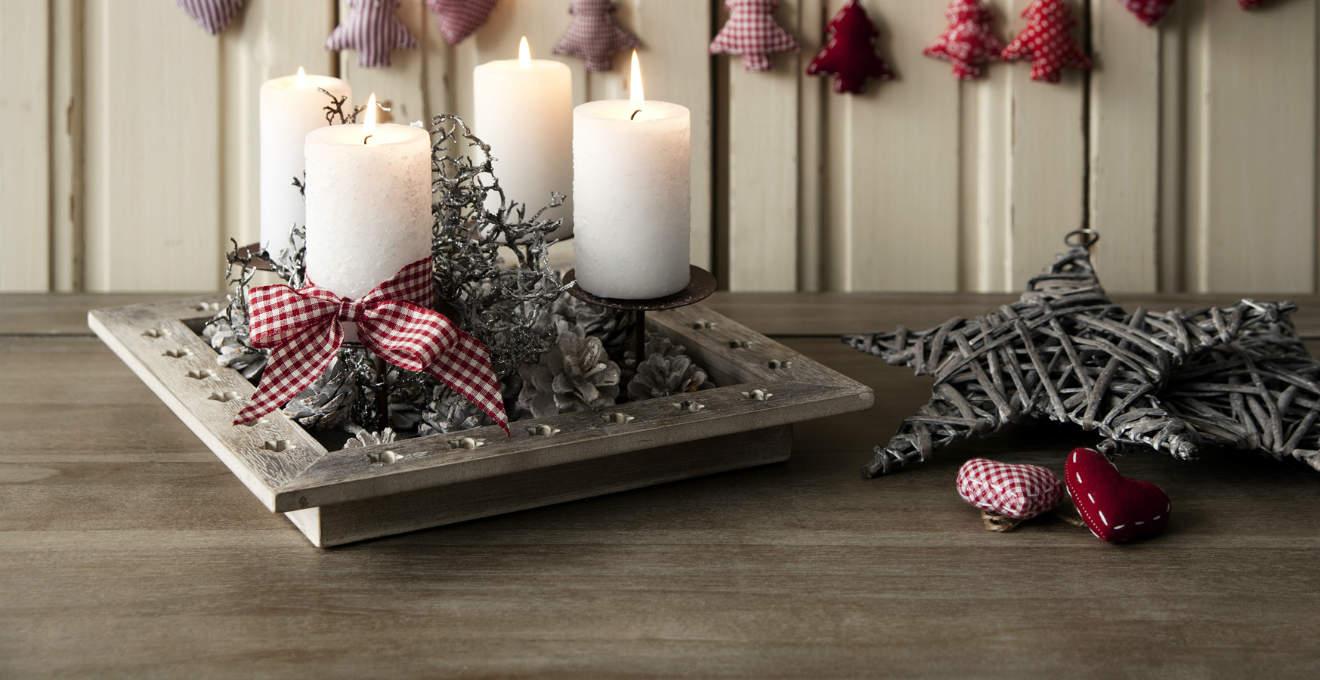 Portacandele natalizi illumina di calore le feste - Decorare candele per natale ...