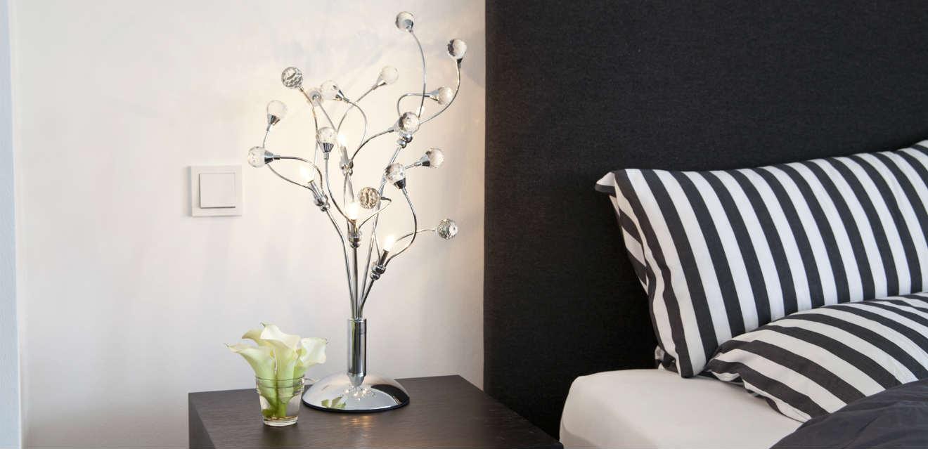 Camera da letto bianca e nera fascino di sempre - Camera bianca e nera ...