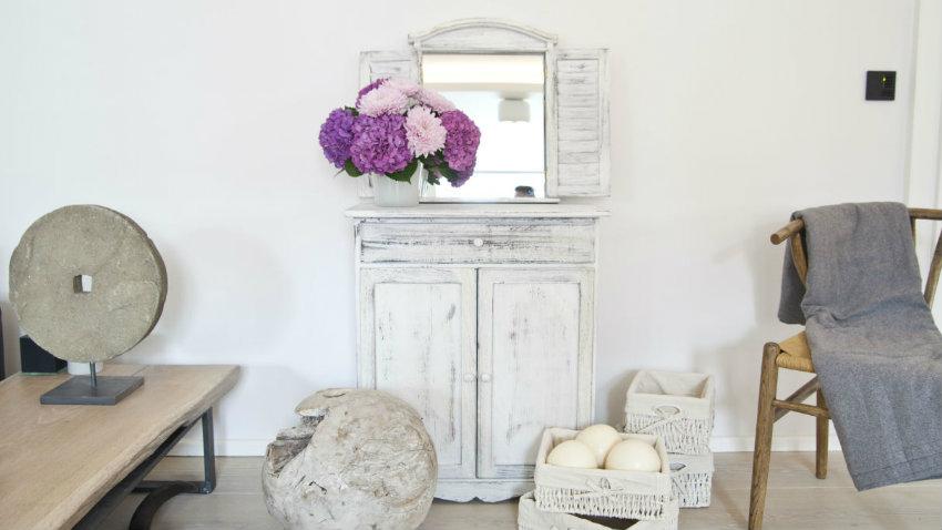 Specchi shabby chic romantici ed eleganti dalani e ora - Specchi contenitori bagno ...