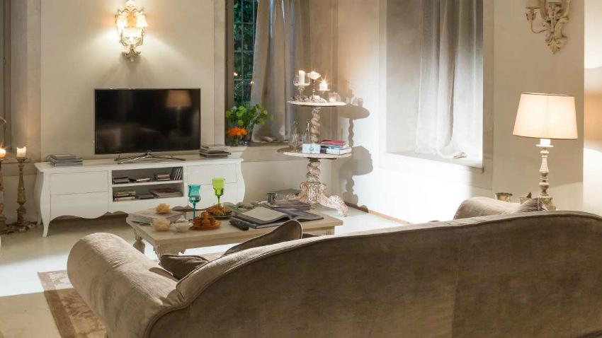 Mensole porta tv arredi funzionali in salotto dalani e for Dalani arredamenti