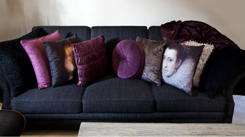 Divano Nero Cuscini : Cuscini in velluto: comfort e morbidezza dalani e ora westwing
