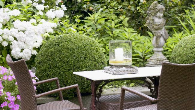 Arredare il giardino consigli di stile ed eleganza westwing dalani e ora westwing - Candele per esterno ...