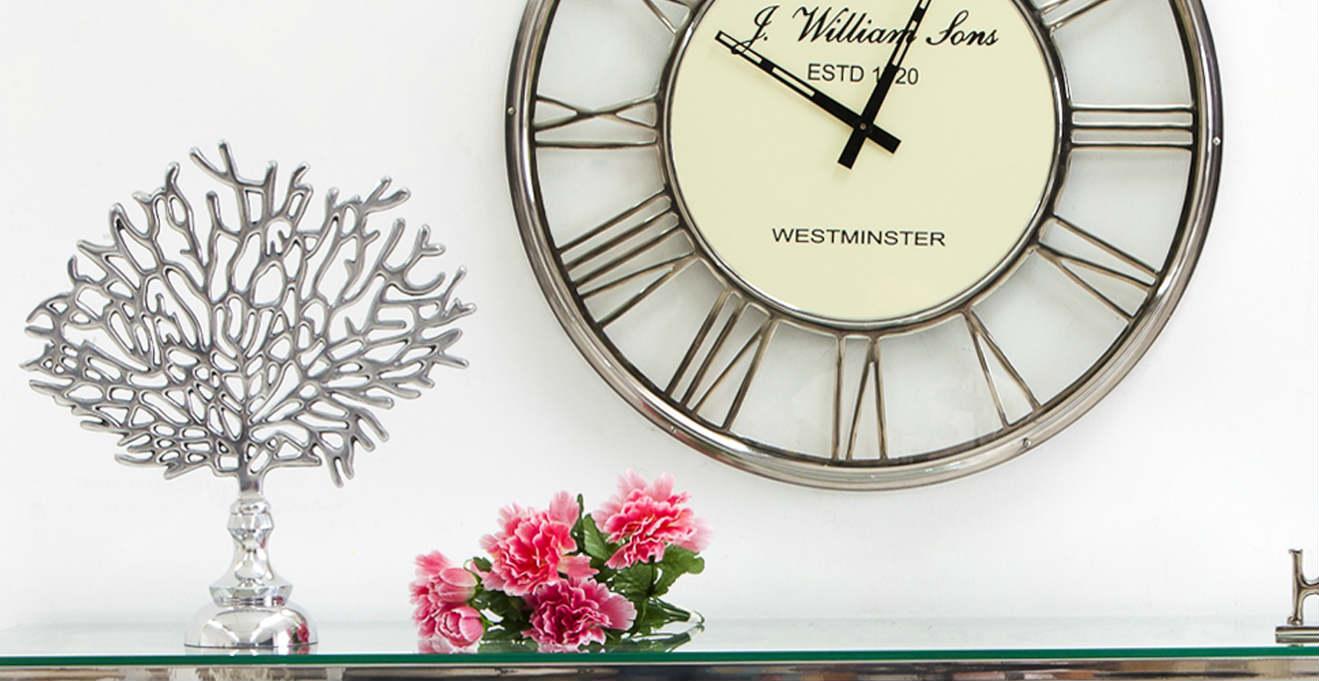 Orologi da parete in vetro fragili momenti dalani e ora for Orologi parete moderni