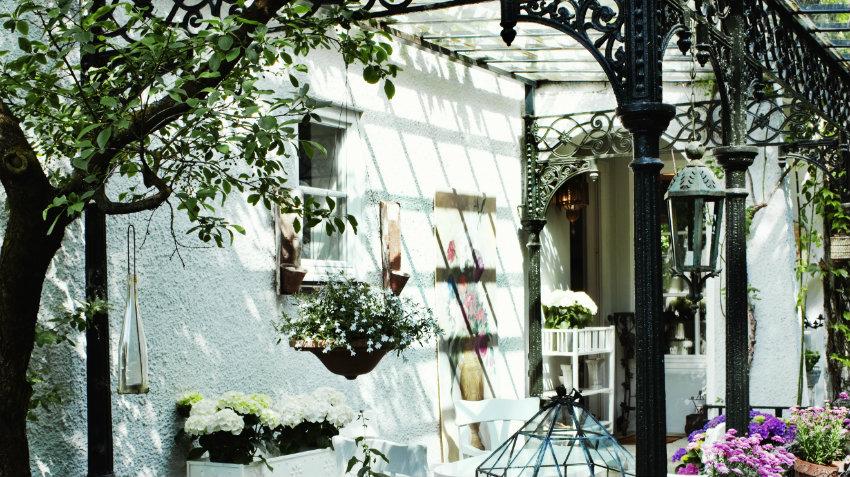 Portavasi da parete idee per un giardino verticale for Portavasi da interno