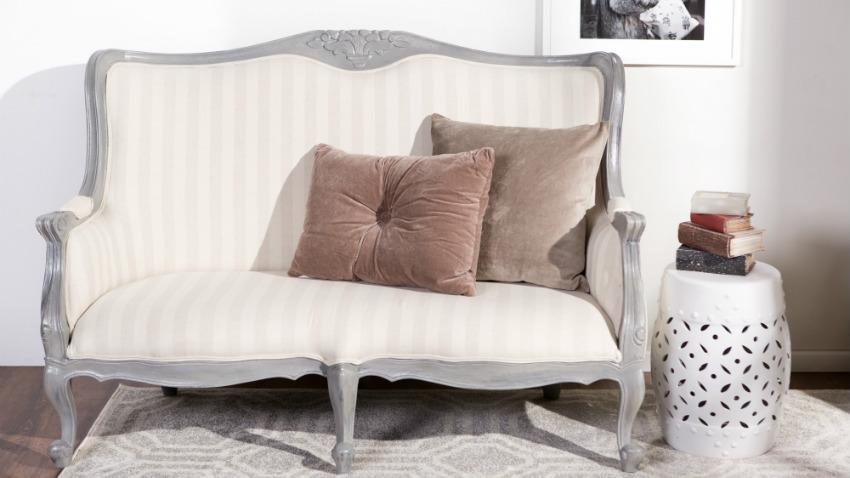 Divani antichi comodit e bellezza retr dalani e ora for Cuscini colorati per divani