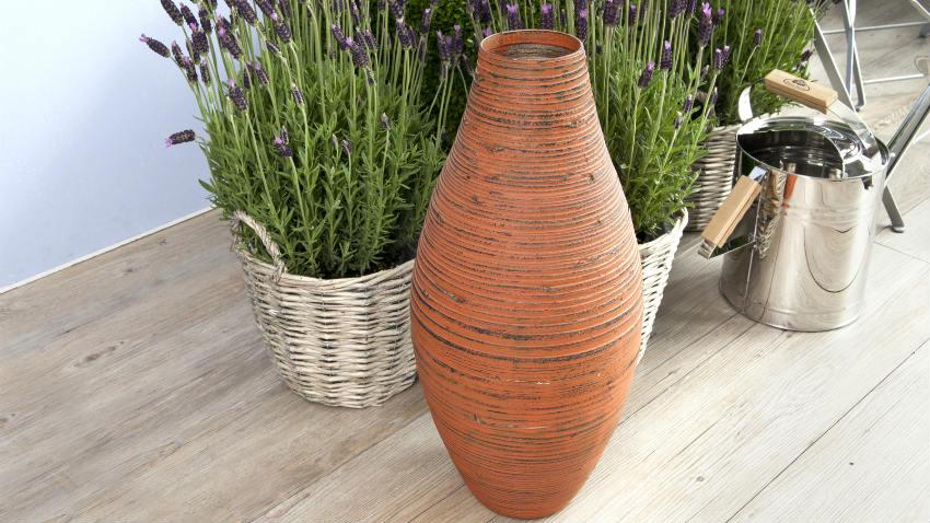 Vasi di coccio atmosfera classica dalani e ora westwing for Decorazioni in ferro per giardino
