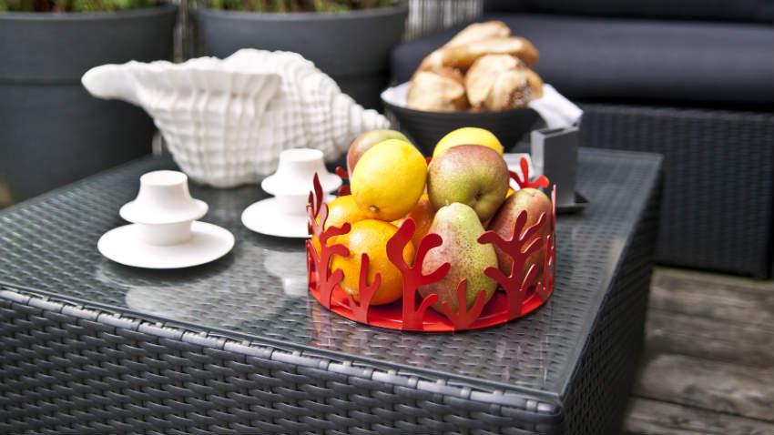 Tavolo in rattan un tocco di stile per l 39 outdoor dalani for Mobili da giardino in resina