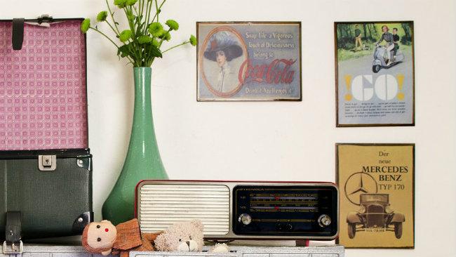 arredamento anni '50 consolle vaso radio