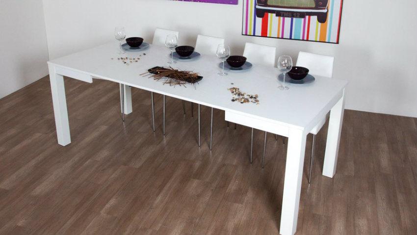 Tavolo bianco allungabile eleganza e praticit westwing for Tavolo bianco lucido