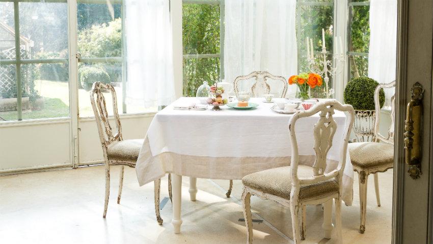 Tende per sala da pranzo finestre di tessuti e colori for Sala da pranzo veranda