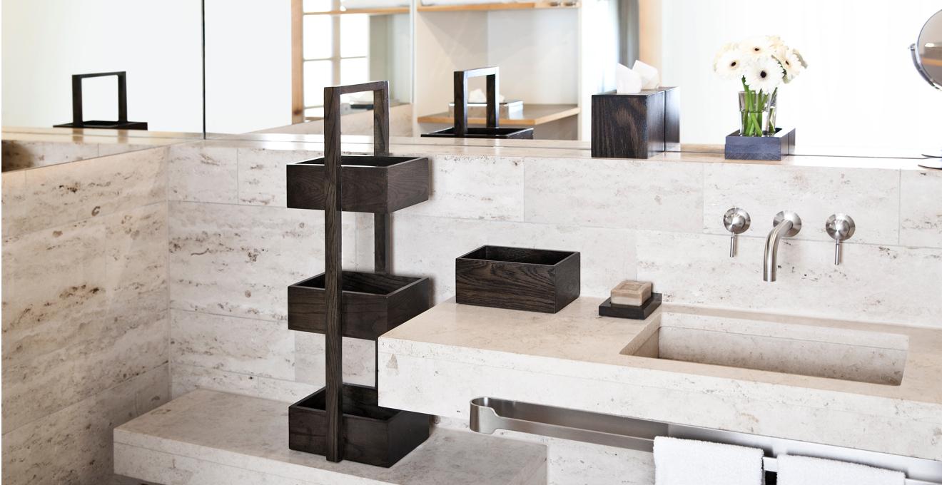 Prachtige badkamer met een planchet | Westwing