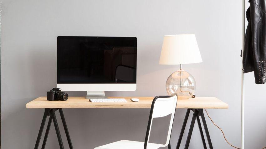 Fijne werkplek thuis met een hoekbureau! | Westwing