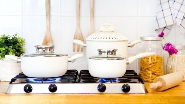 houten retro aanrechtblad met kookplaten