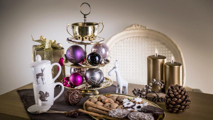 Paarse kerstballen
