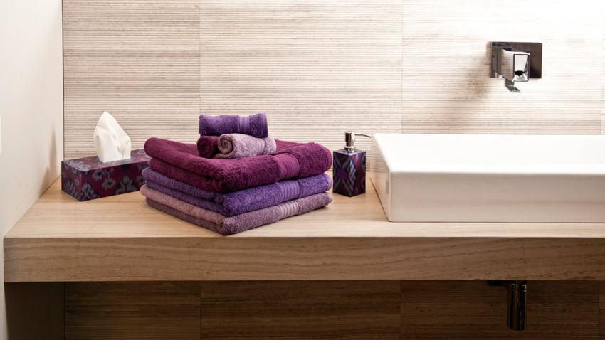 Paarse handdoeken