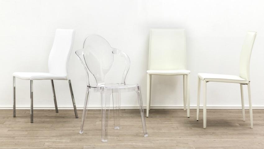 Lijk lekker te zweven op een transparante stoel westwing for Witte leren stoelen