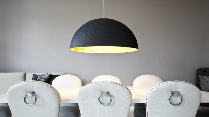 Shop je stijlvolle witte leren eetkamerstoelen hier | Westwing