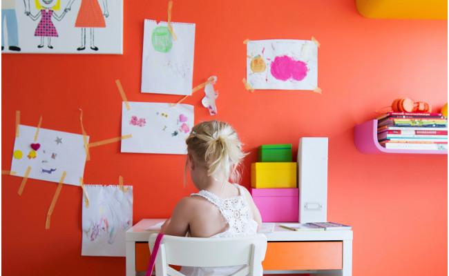 pokój dziecięcy w kolorze pomarańczowym