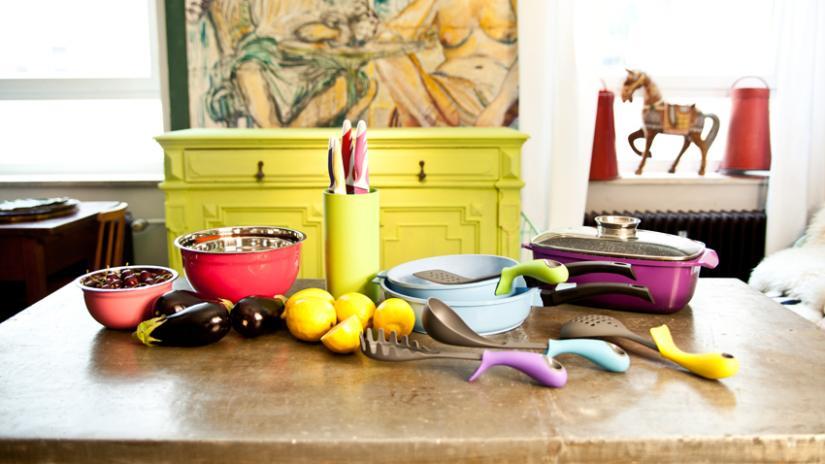 stół kuchenny z kamiennym blatem