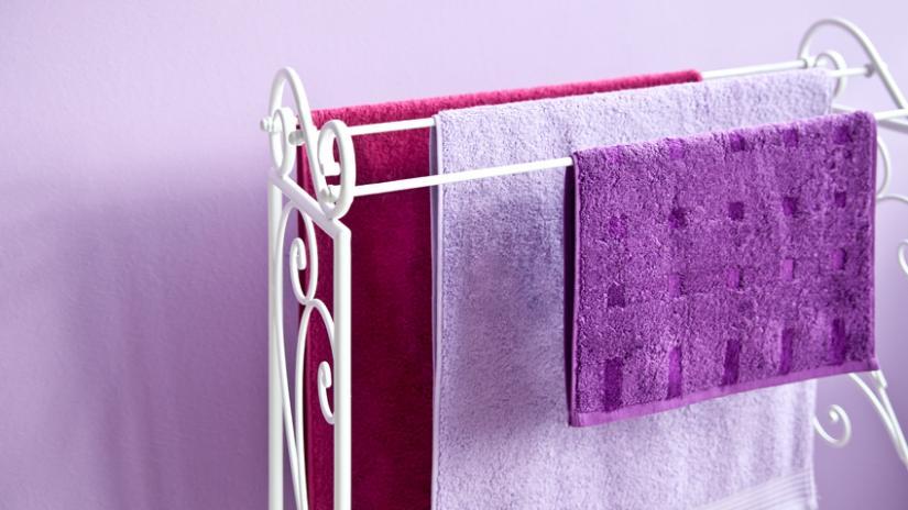 akcesoria łazienkowe na ręczniki