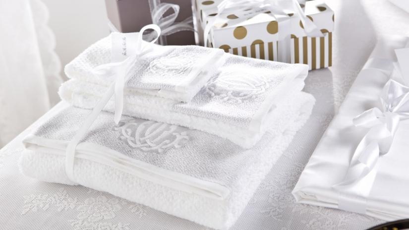 prezenty ślubne ręczniki