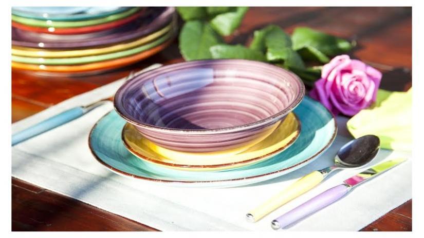 zastawa stołowa kolorowa