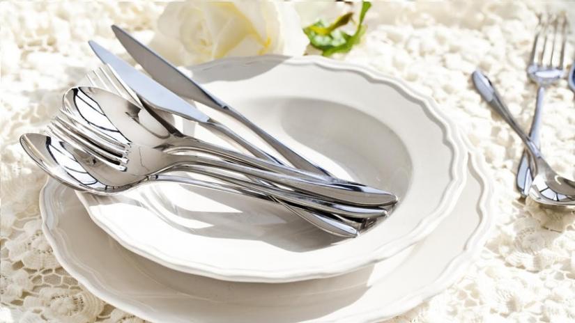 zastawa stołowa porcelanowa