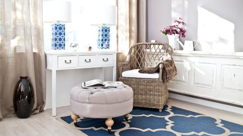 krzesło rattanowe do salonu