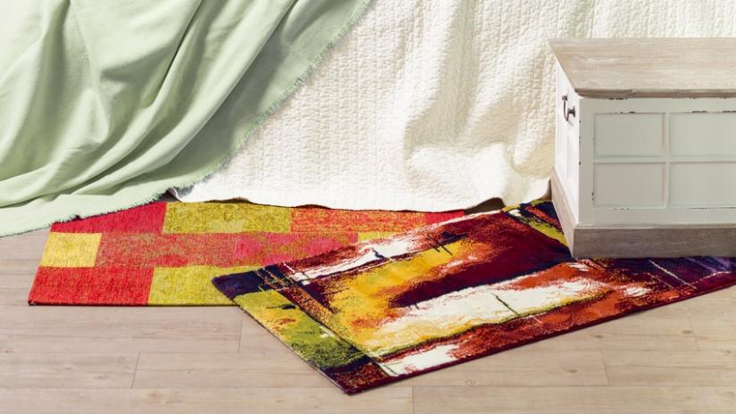 kolorowy dywan do sypialni