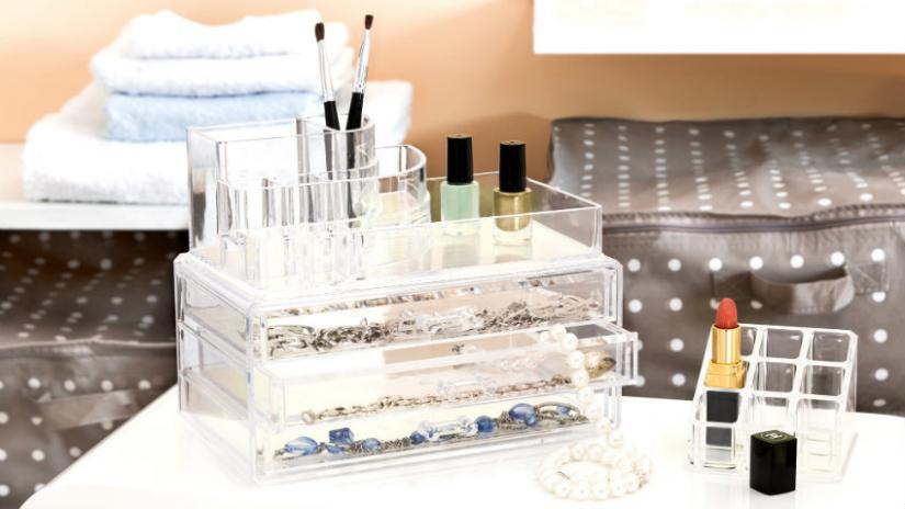 organizer na kosmetyki plastikowy