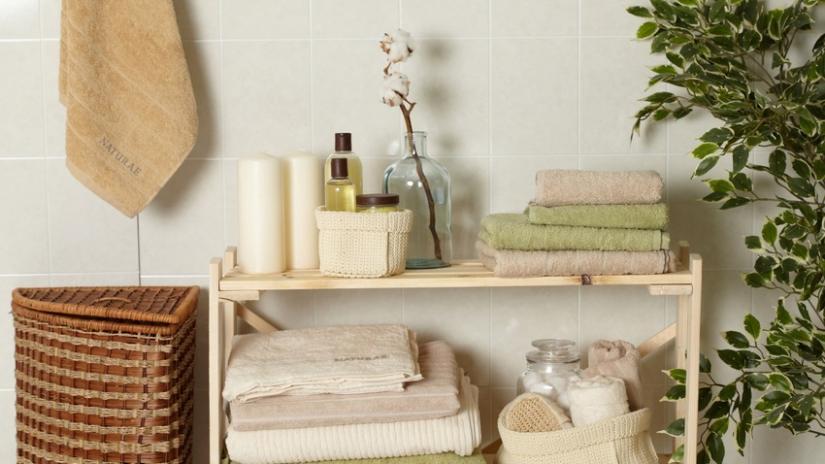 regał łazienkowy drewniany