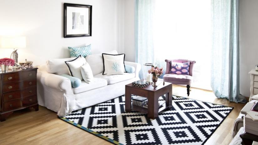 dywan do salonu czarno-biały