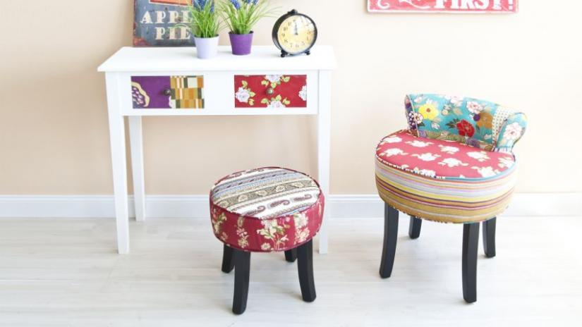 mały pokój dziecięcy biurko