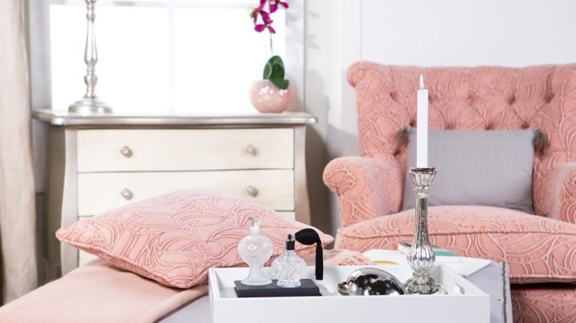 fotel uszak różowy