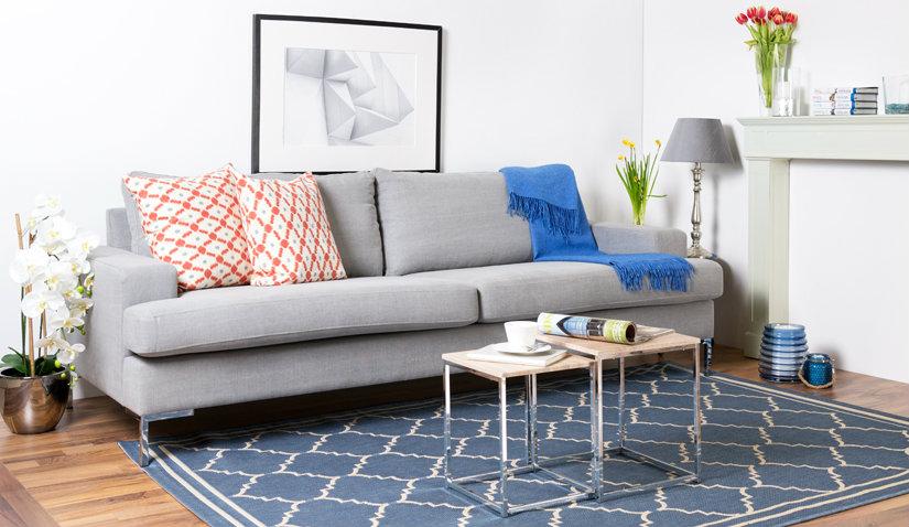 Dywan niebieski ze wzorem