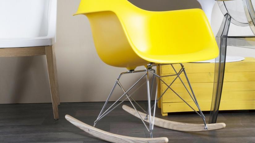 krzesło bujane nowoczesne