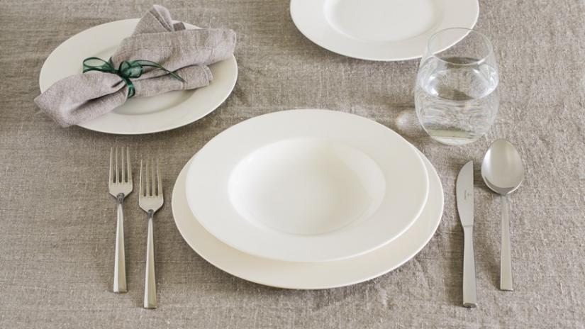 talerze z porcelany