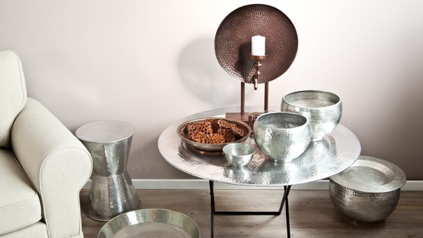stolik metalowy do salonu