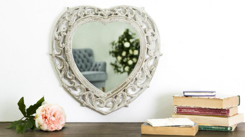 lustro do przedpokoju w kształcie serca