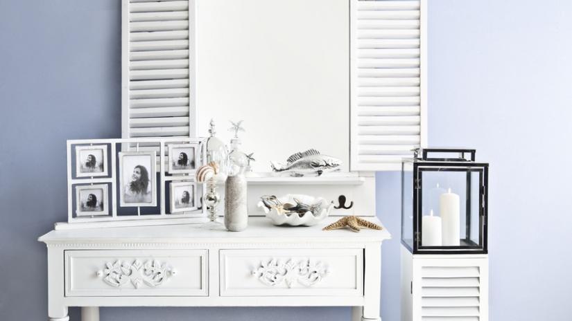 lustro z okiennicami białe