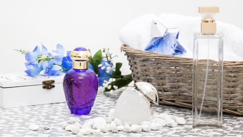flakon na perfumy z atomizerem