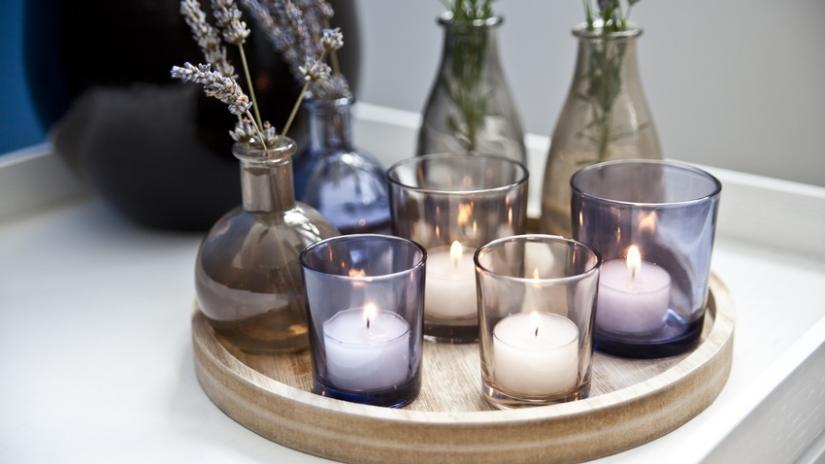 dekoracje w szkle ze świecami