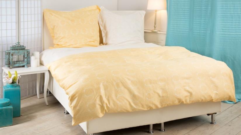 turkusowe zasłony do sypialni