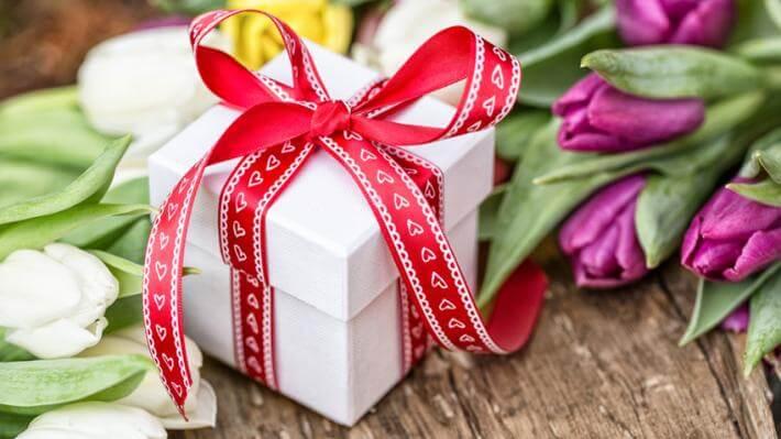 prezent dla przyjaciółki jak zapakować