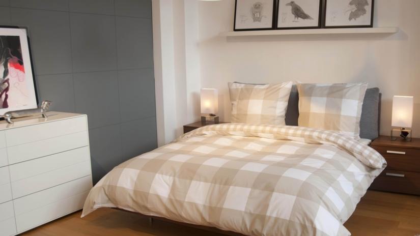 łóżko w stylu skandynawskim do sypialni
