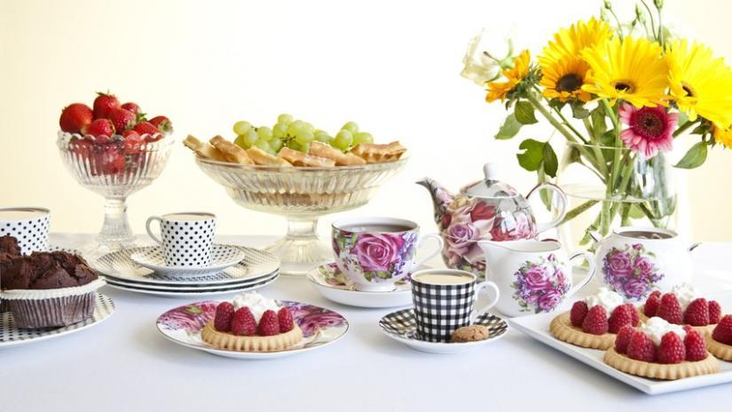 talerzyki do ciasta w kwiaty