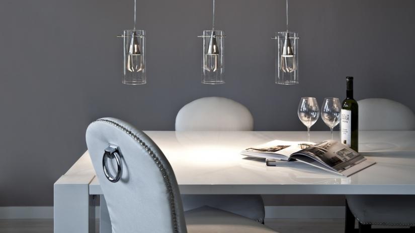 stół w stylu skandynawskim biały